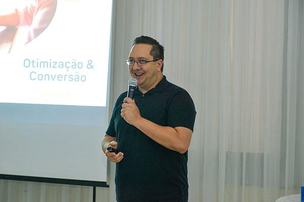 Especialista ministra palestra sobre storytelling na Convenção da Guia-se