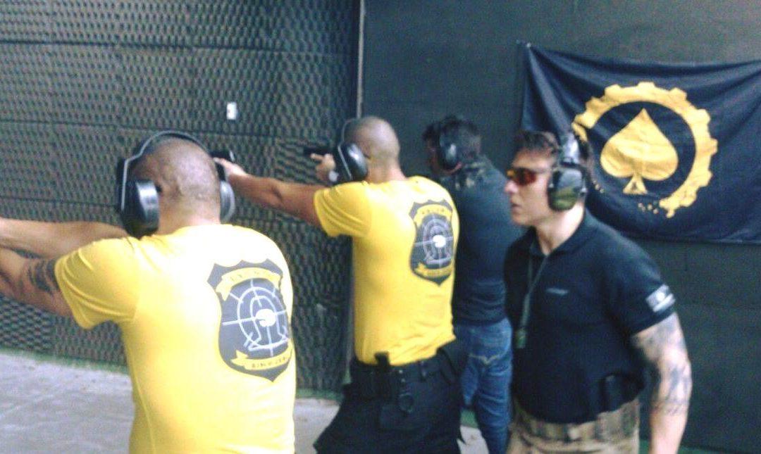Grupo Risco Zero em instrução de tiro