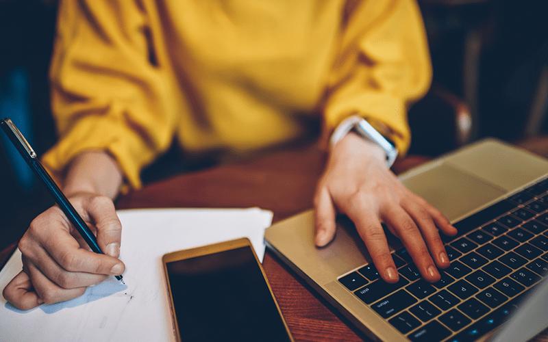 Por que se planejar é importante para economizar?