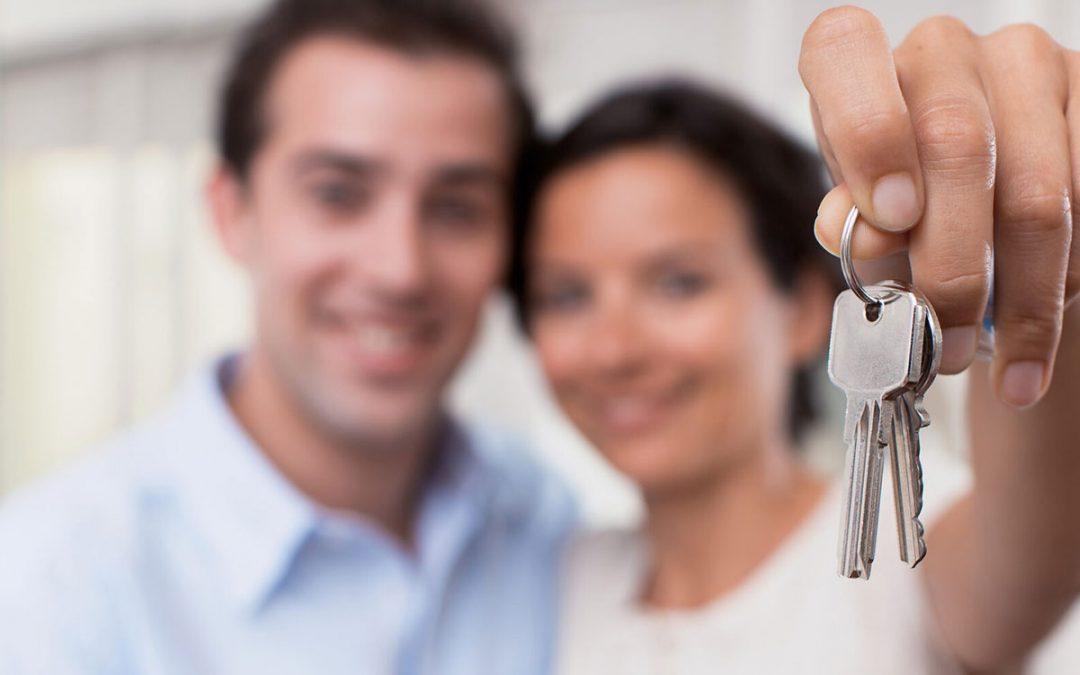 Por que contar com uma imobiliária para comprar seu imóvel durante a pandemia?