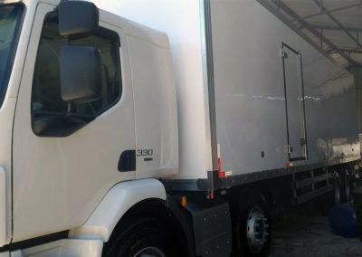 IT-Báu Refrigerado Volvo 4