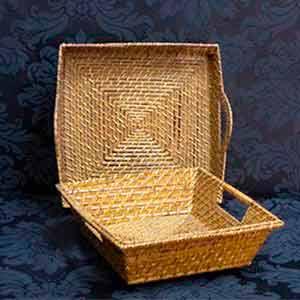 Bandejas de rattan quadradas -locação de peças decorativas