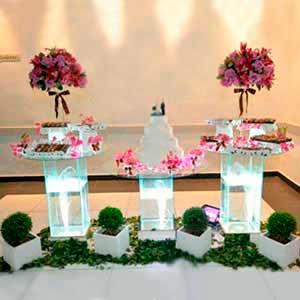 Mesa de vidro 3 tampos -locação de peças decorativas