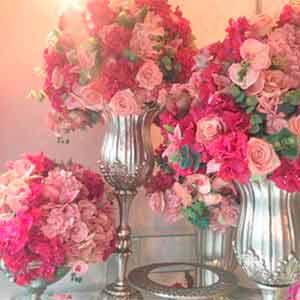 Arranjos com flores permanentes - locação de peças decorativas
