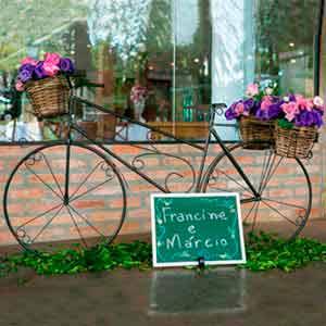 Bicicleta de ferro-locação de peças decorativas