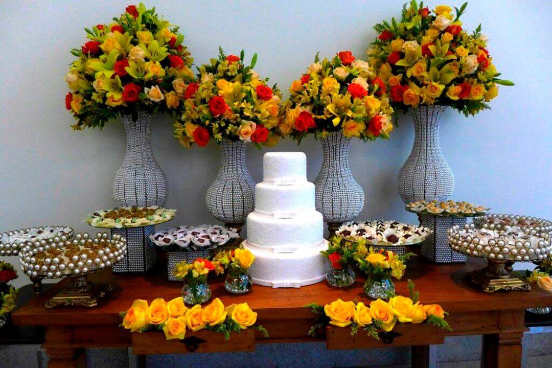 Decoração mesa comemoração bodas - Festejare Decorações