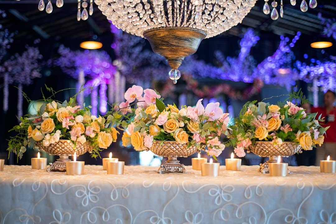 Arranjos com flores naturais para festas temáticas - Festejare Decorações