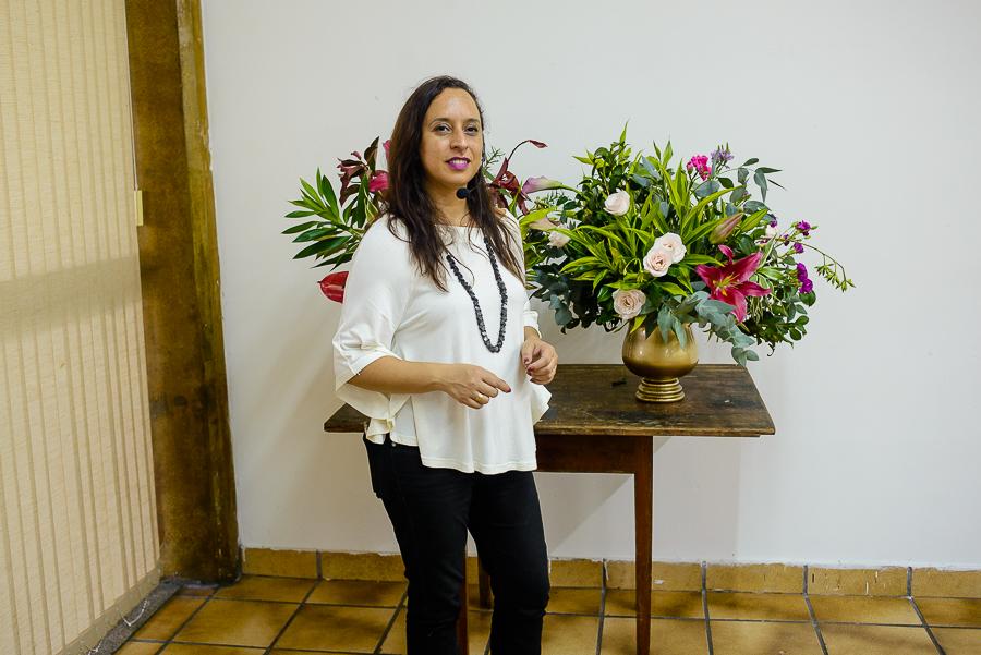Val du Arte, artista plástica, floral designer e professora da ABAF