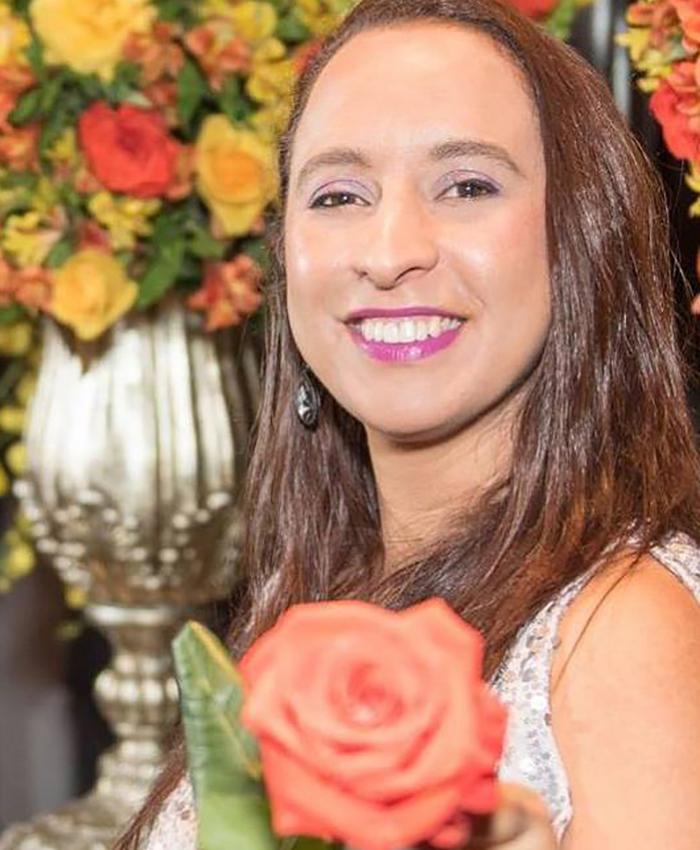 val-du-arte-floral-designer-left
