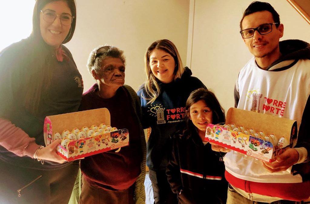 Doação de Kinder Ovo para o Instituto Monsenhor